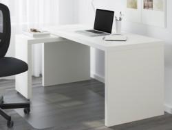 escritorios y mesas de ordenador solitarias